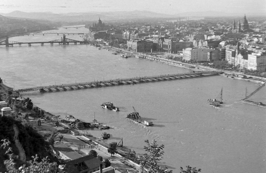 1949, a Petőfi (Böske) pontonhíd, 1. és 4. (1950-től 5.) kerület