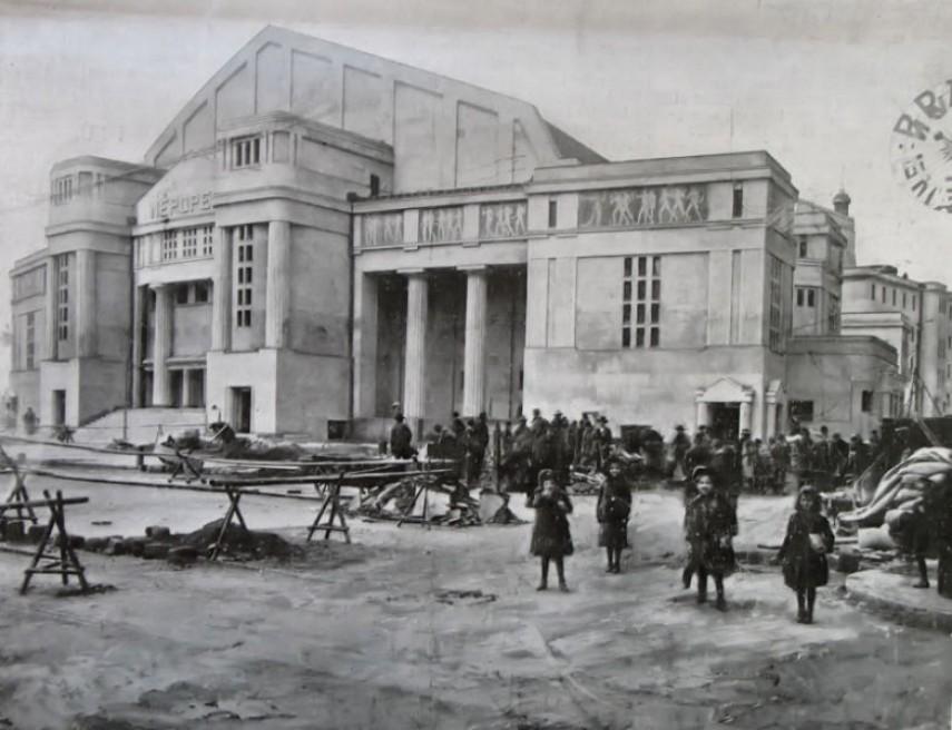 1910, Tisza Kálmán tér (II. János Pál pápa tér), 8. kerület