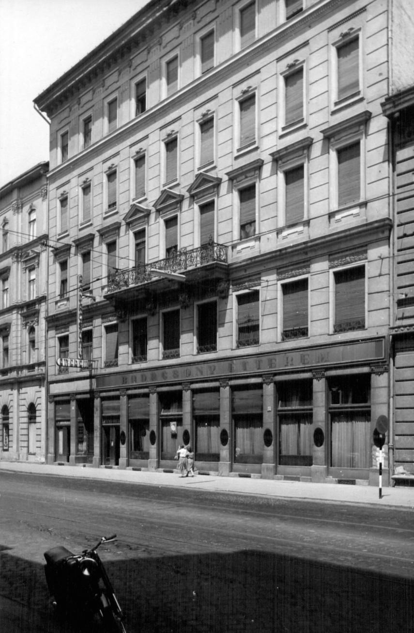 1961, Üllői út 6.