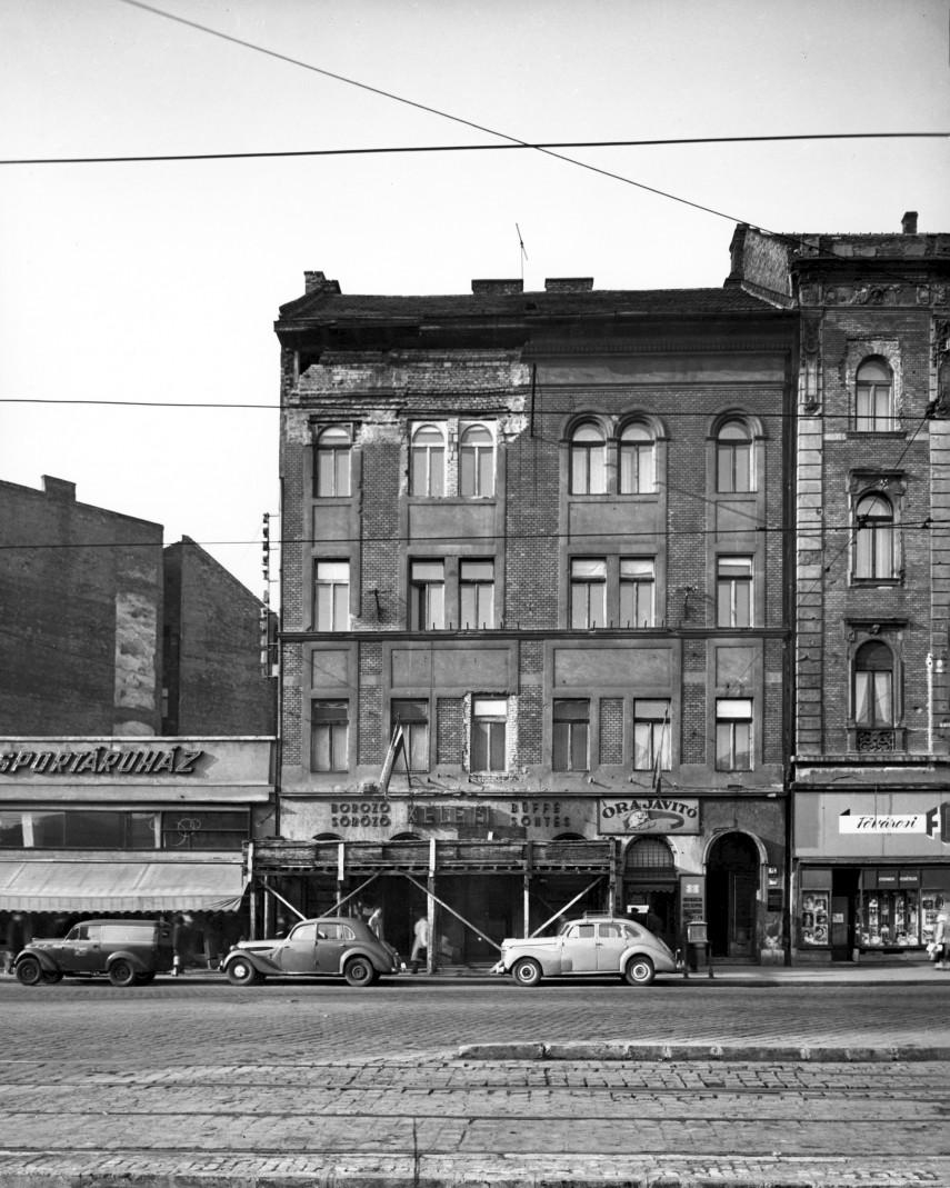 1958, Baross tér 19., 19. kerület