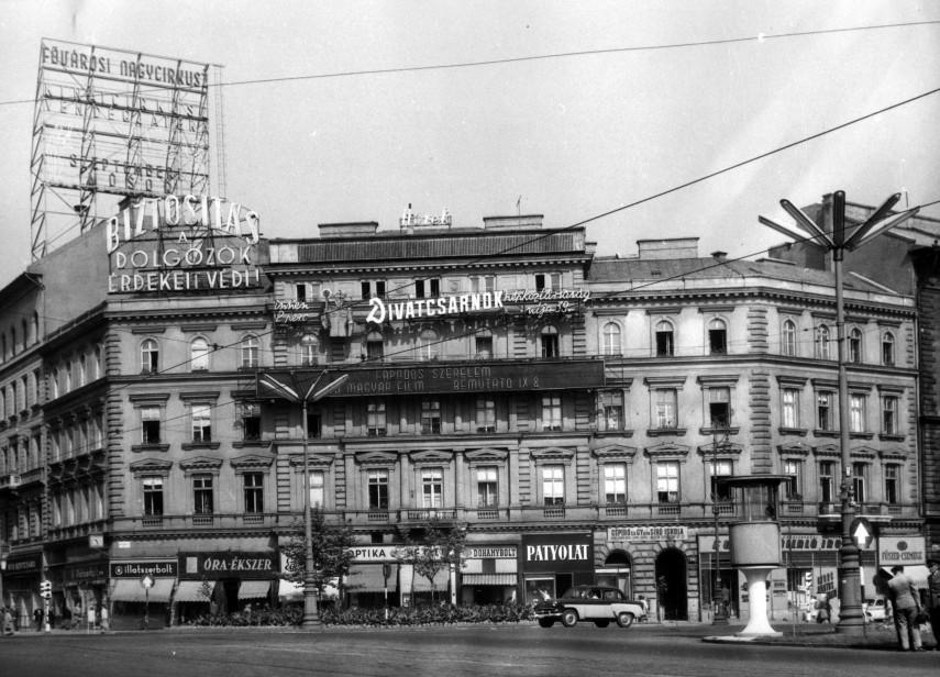1960, November 7. tér (Oktogon) 4., 6. kerület