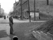 1958, a Tábornok utca - Francia út kereszteződése a vasúti aluljárótól nézve