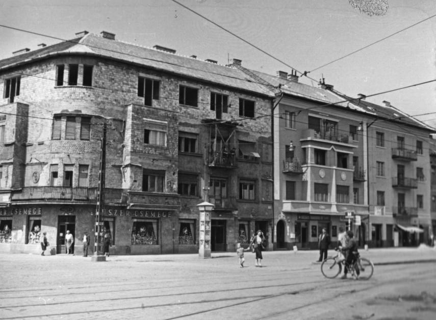 1960, Bosnyák tér, balra a Nagy Lajos király útja, 14. kerület