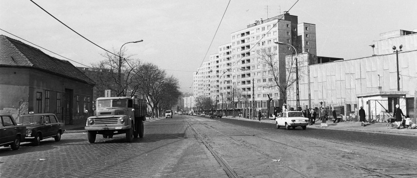 1976 táján, Flórián tér a Vörösvári út felé, 3. kerület