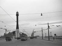 1940, Horthy Miklós híd (Petőfi híd), Budai hídfő, 11. kerület