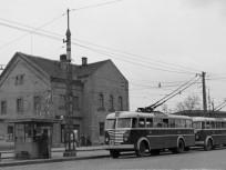 1954, Baross utca, trolivégállomás az Orczy térnél, 8. kerület