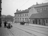 1933, Apród utca