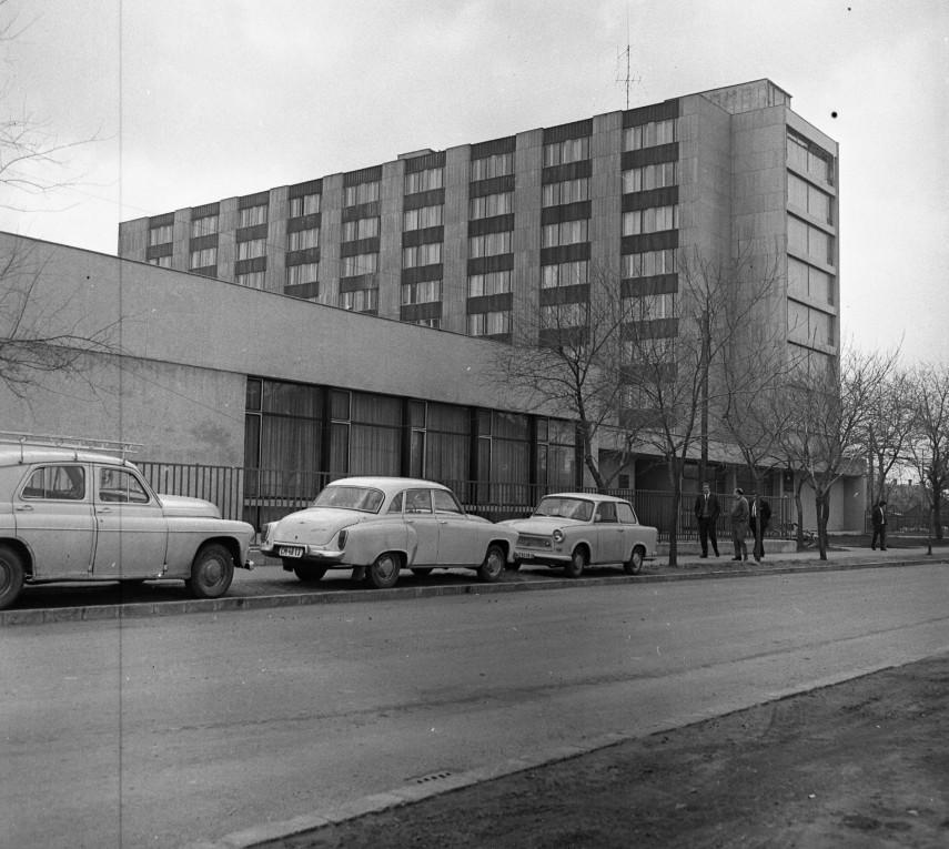 1980, Venyige utca a Maglódi út felé nézve, 10. kerület