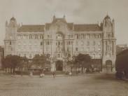 1908, Ferenc József (Széchenyi) tér, 4.,(1950-től) 5. kerület