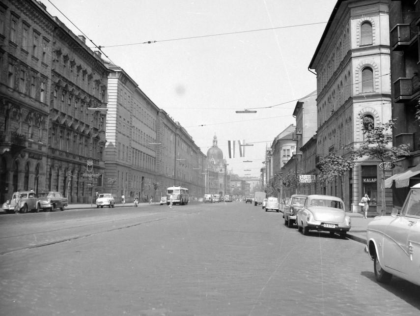1963, Üllői út a Vajdahunyad utcánál, 8. és 9. kerület