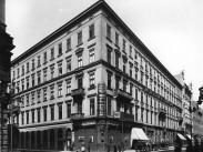 1896, Dorottya utca