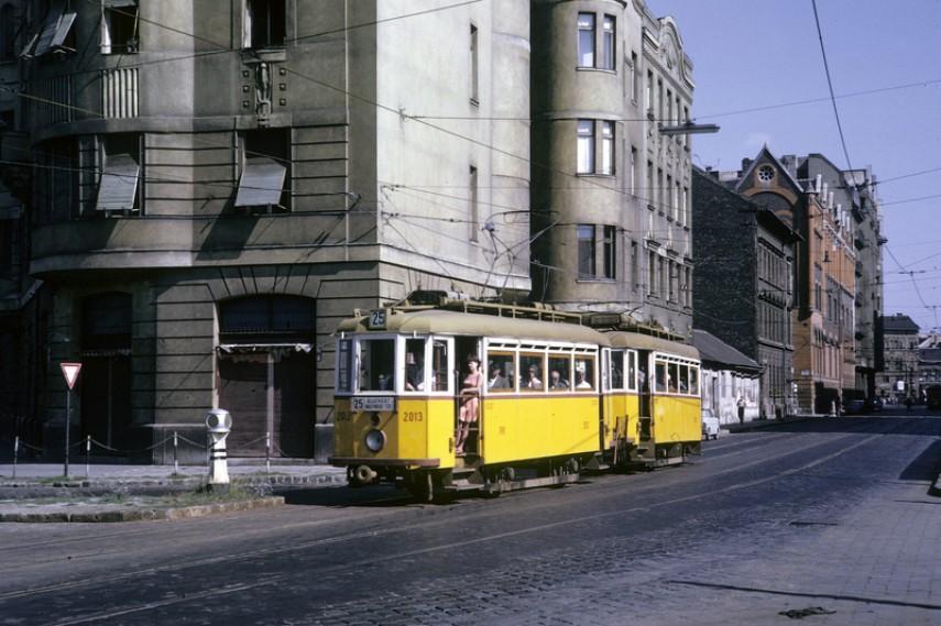 1967, Festetics György utca a Mosonyi utca felé nézve, 8. kerület