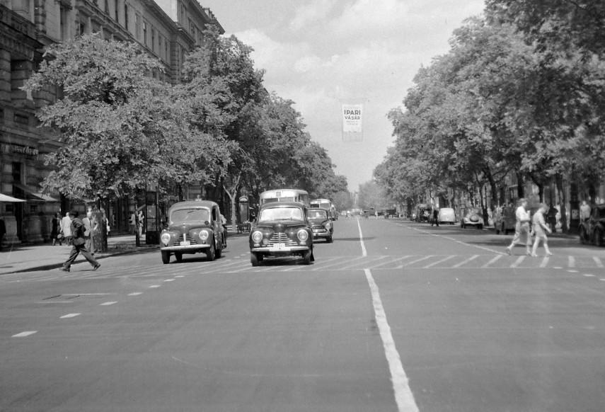 1958, Népköztársaság útja (Andrássy út), 6. kerület