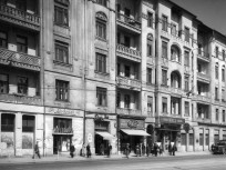 1957, Mártírok útja (Margit körút) 5., 2. kerület