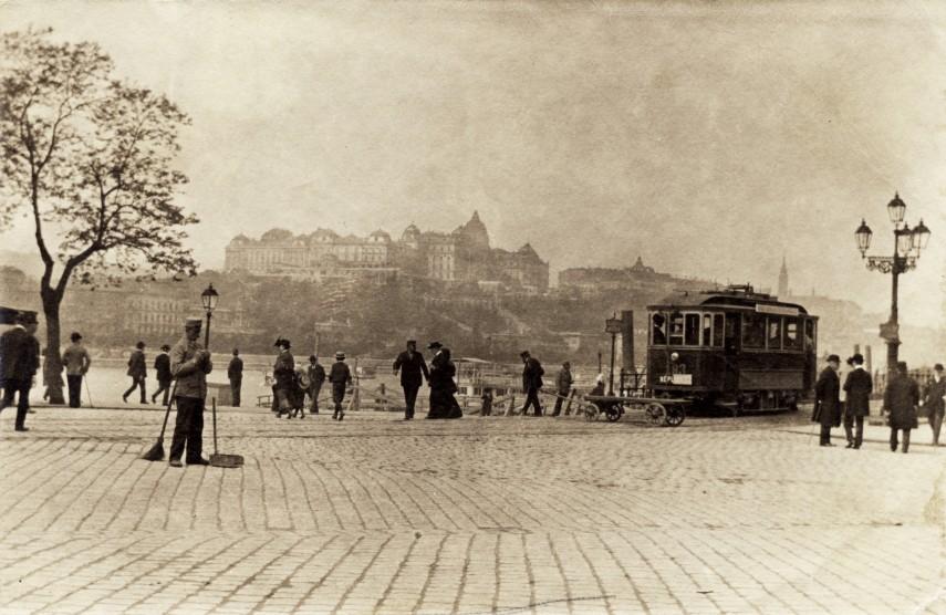 1906, Eskü (Március 15.) tér, 4. (1950-től 5.) kerület