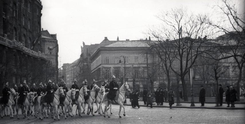 1941, Ferenc József (Széchenyi István) tér, 4. (1950-től 5.) kerület