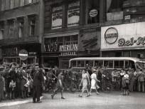 1939, Petőfi Sándor utca az Apponyi tér (Ferenciek tere) felől, 5. kerület
