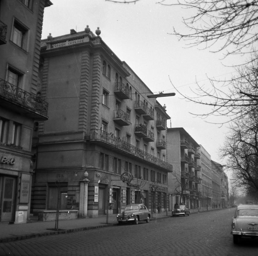 1965, Szilágyi Erzsébet fasor, 2. kerület