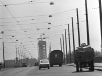 1970, Árpád híd a szigeti bejáró (lejáró) felől a Váci út felé nézve, 13. kerület