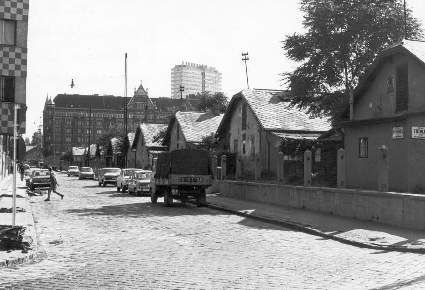 1976, Mihálkovics utca, 9. kerület