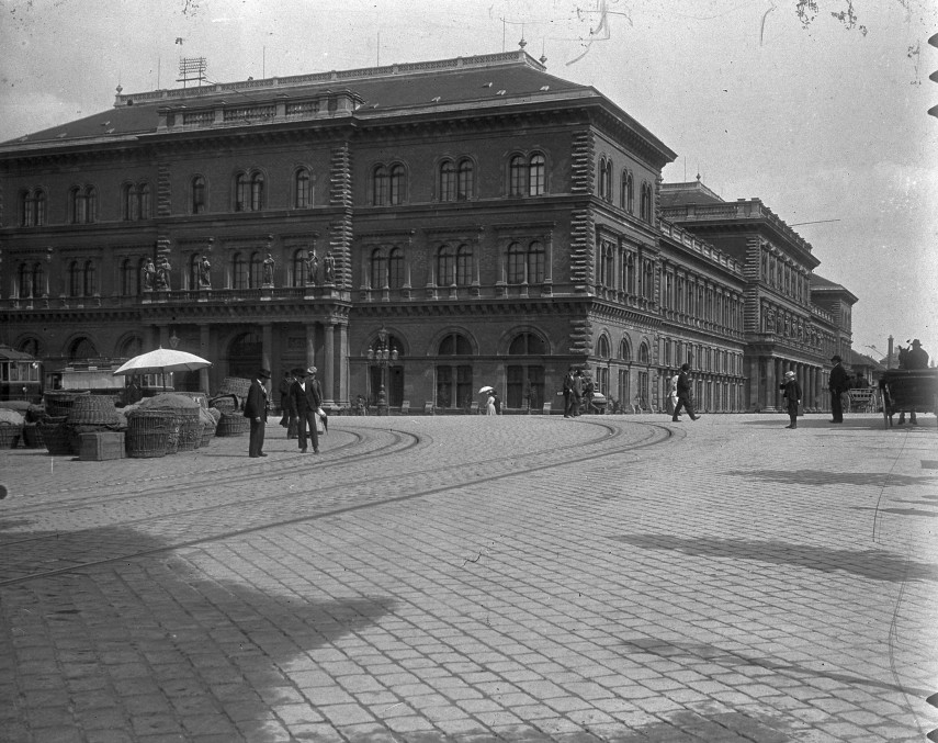 1900, Fővám tér, 9. és 5. kerület