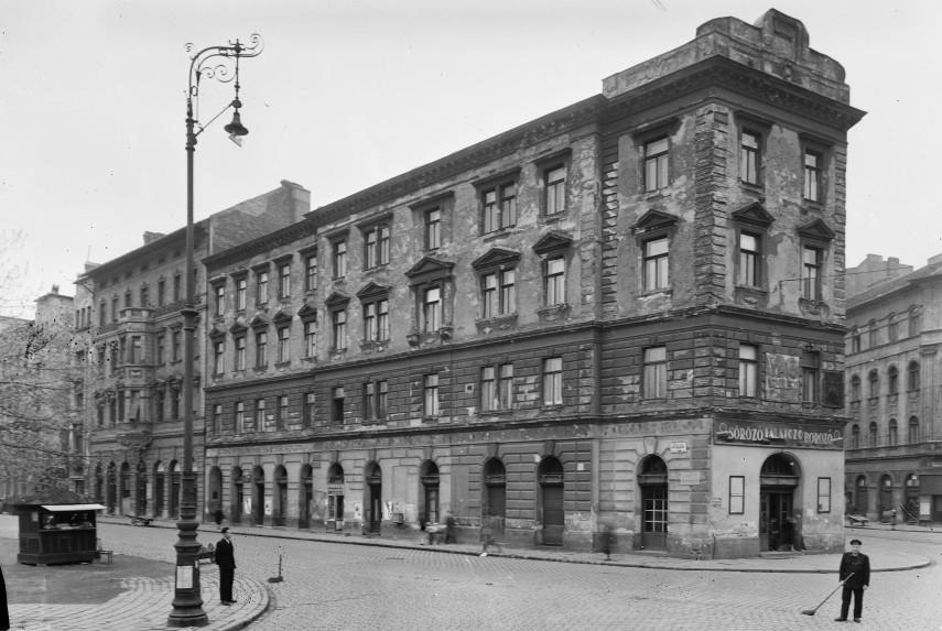 1957, Köztársaság, (II. János Pál pápa) tér, 8. kerület
