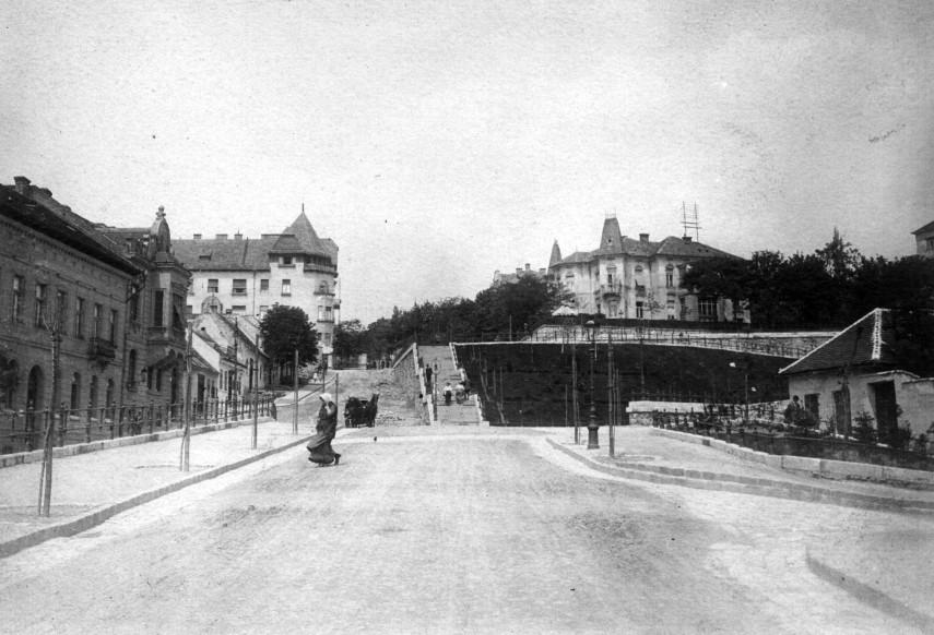 1910, Rómer Flóris, (Zárda) utca mellett a Margit utca torkolata, 2. kerület