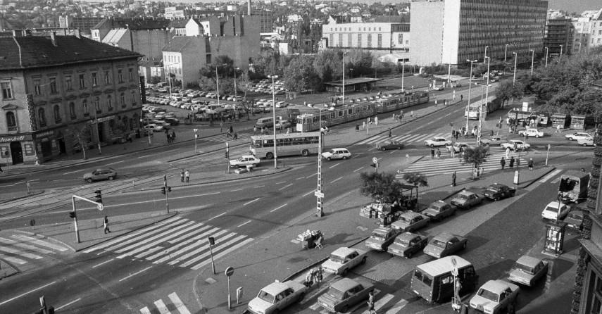 1990, Széna tér, 1. és 2. kerület