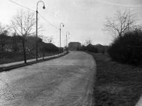 1960, Hegyalja út a Döbrentei tér irányából a Czakó utca felé nézve, 1. kerület