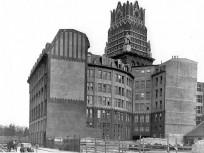 1940-es évek, Dologház utca, az OTI székház, 8. kerület